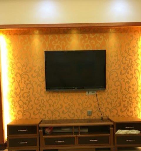 财富广场 2室2厅1卫 精装修拎包即住环境优美设施齐全
