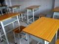 全新的一人一课桌椅