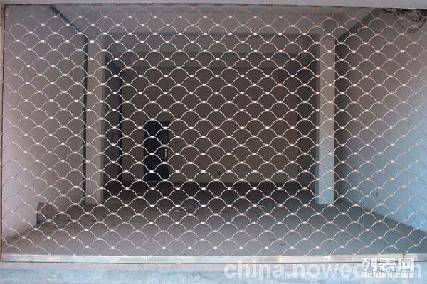 太仓市陆渡镇卷帘门订做,抗风门型材门维修定做