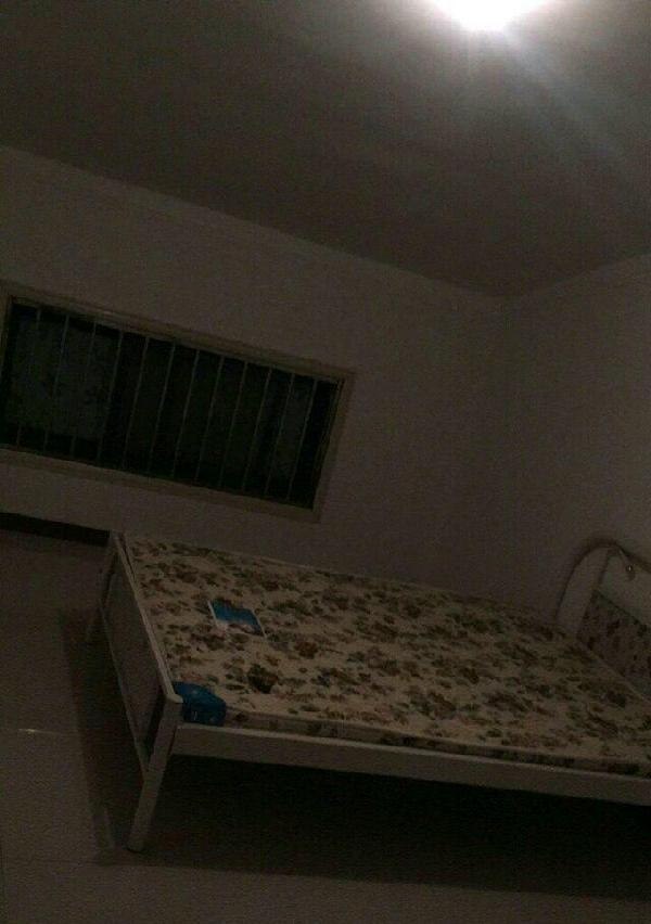 颐和嘉园 3室1厅1卫 限女生