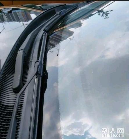 汽车凹陷修复 玻璃修复 玻璃抛光高清图片