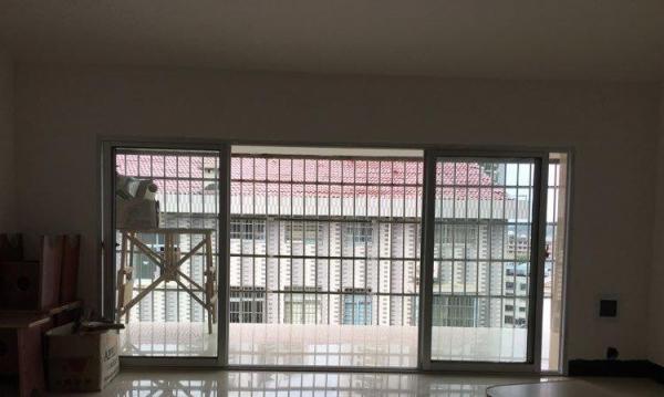百合家园2栋2单元7楼702室 3室2厅1卫