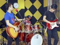 深圳坂田哪里有成人学吉他电吉他尤克里里 免费体验