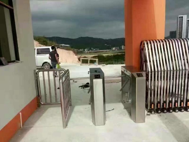停车场智能管理系统,自动门,门禁系统,劳务管理系统安装维修