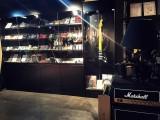 天津买吉他到迷宫乐器合板吉他面单吉他全单吉他电箱吉他