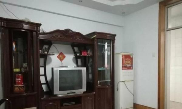 黄华街小区3室1厅,家电齐全,拎包入住