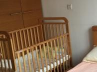 芙儿优奥克兰原装婴儿床和原装棕垫