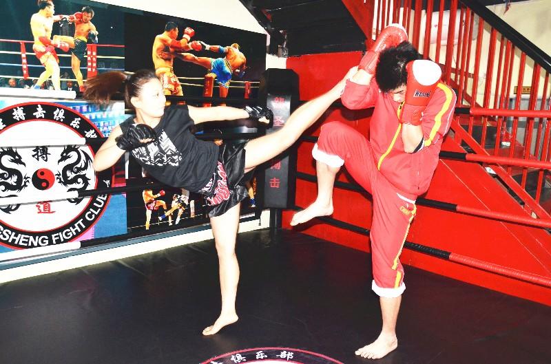 通州较专业白领散打跆拳道泰拳武术高级私教