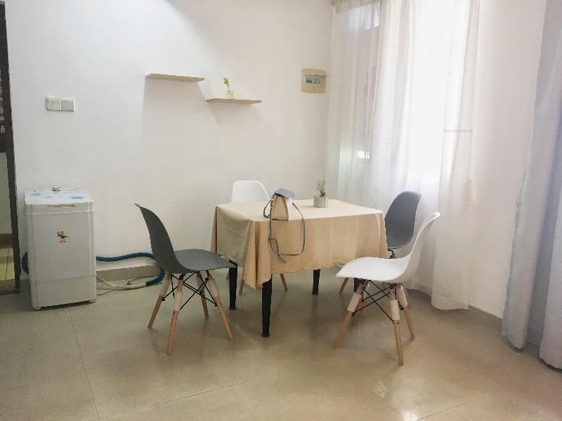 海甸 梨园大厦 1室 0厅 37平米 整租梨园大厦
