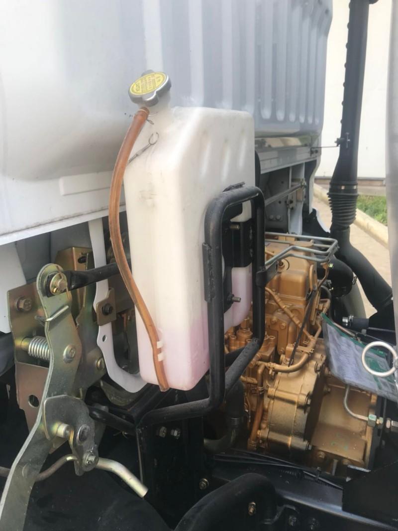 厦工楚胜专业油罐车生产厂家常年现车低价销售