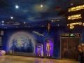 艺术墙绘《画石的女孩》吴馆长