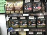 各种猫粮猫零食网红款猫玩具猫砂均有销售