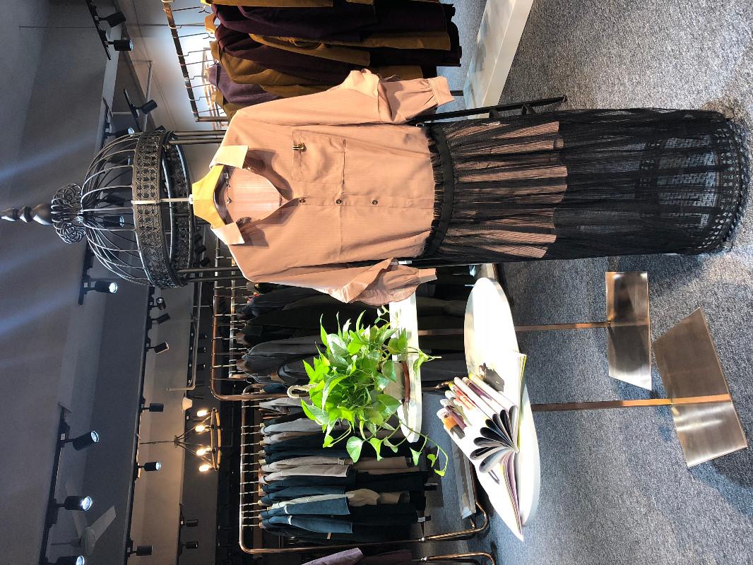 香影品牌 广州市三三服装有限公司 连衣裙 套装 偏大码