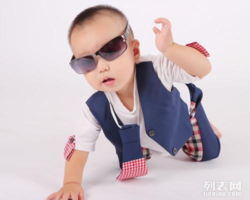 专业儿童摄影,龙凤贝贝特价百天照满月照底片全送