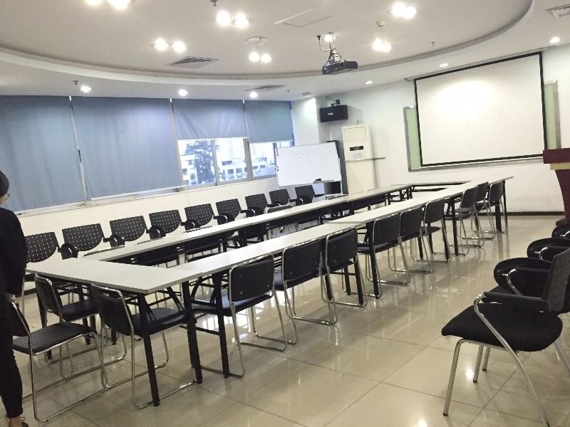 深圳福田/南山/罗湖10-80人会议室培训室出租,有投影