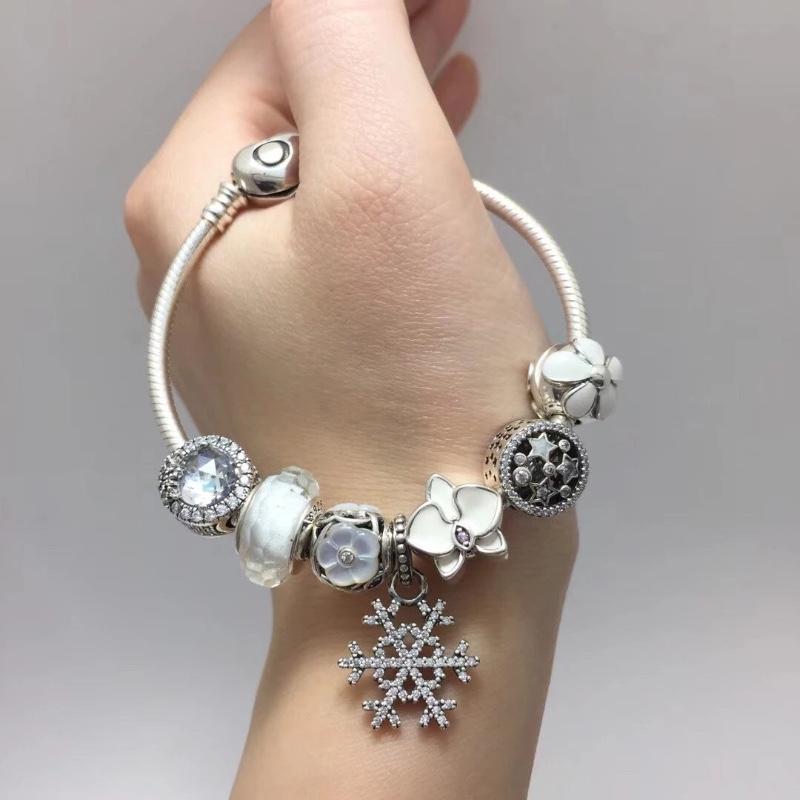 Pandora潘多拉白色浪漫雪花主题串饰925银手环