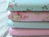 全棉斜纹印花布 家纺面料 玫瑰花簌+格子粉绿2色入 满百包邮