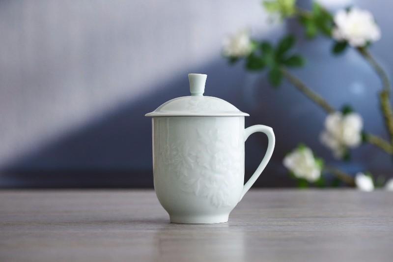 景德镇陶瓷影青茶杯 陶瓷办公杯定制 礼品手工雕刻茶杯