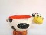 陶瓷手绘奶牛碗碗 立体双色儿童饭碗 厂家生产直销 动物奶牛碗
