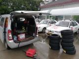 东西湖补胎换胎搭电拖车脱困送油