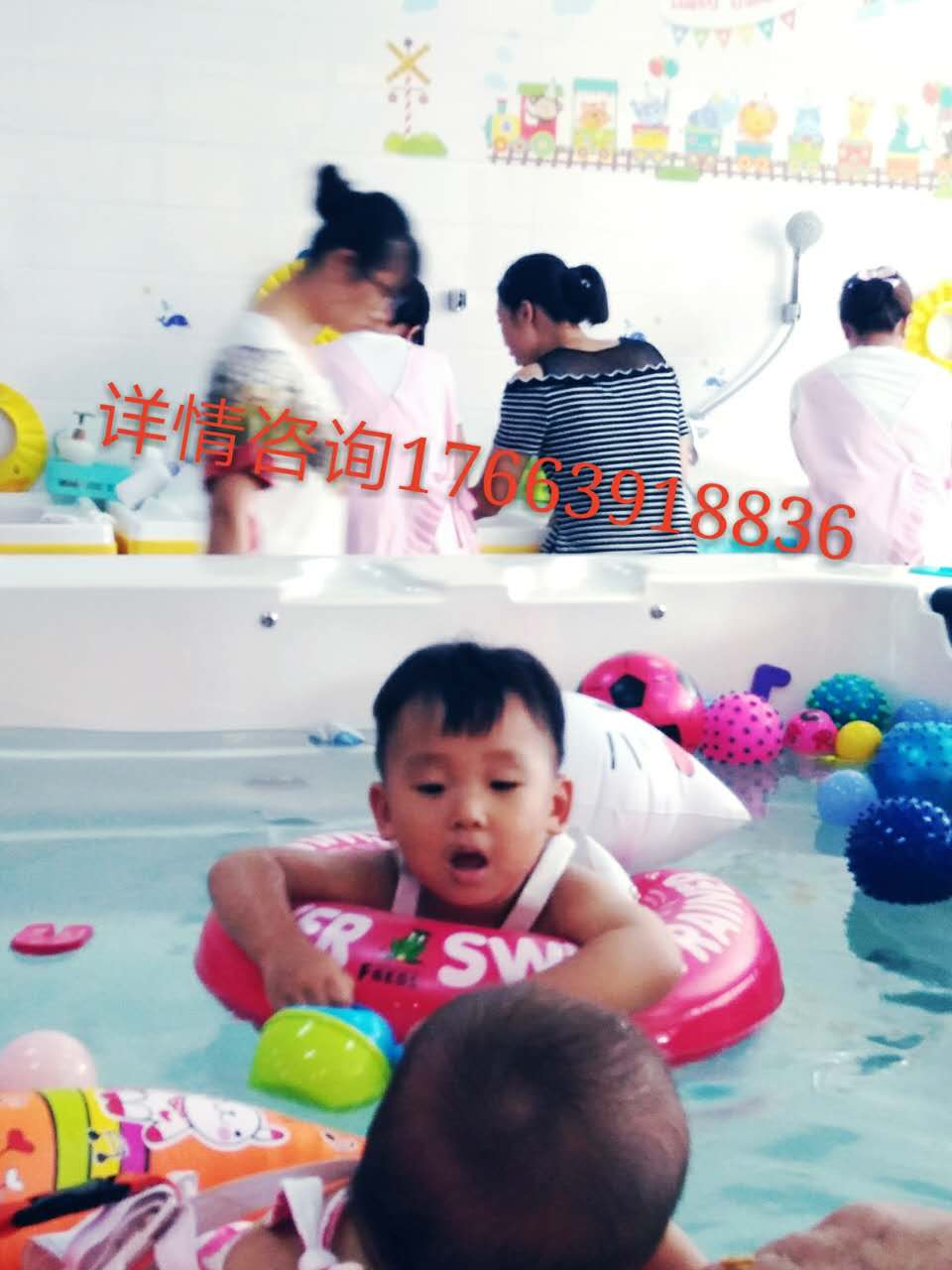 提供宝宝洗澡——山东优质亚格力游泳池市场