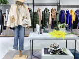 布卡拉19年冬季新款女装系列 羽绒服大衣毛衣 时尚淑女年轻