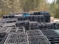 江苏立宁出售大量塑料托盘,木托盘,塑料垫仓板