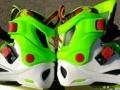 999成新,39码轮滑鞋,颜色新颖耐看,外硬内软不