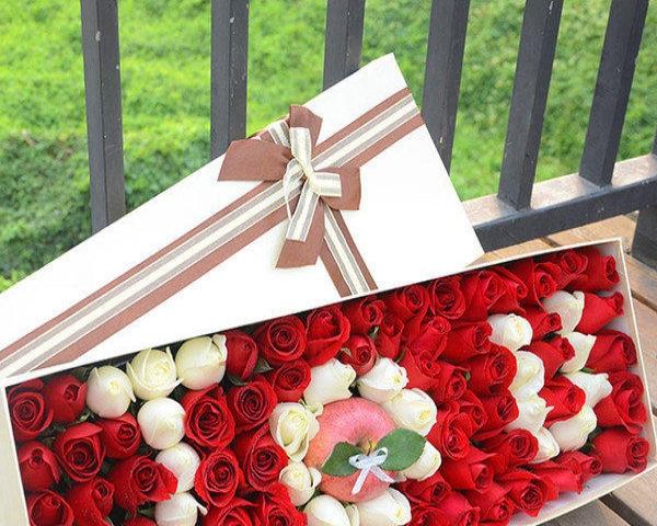 生日蛋糕、宴会蛋糕、婚礼蛋糕、鲜花等预定可送货上门