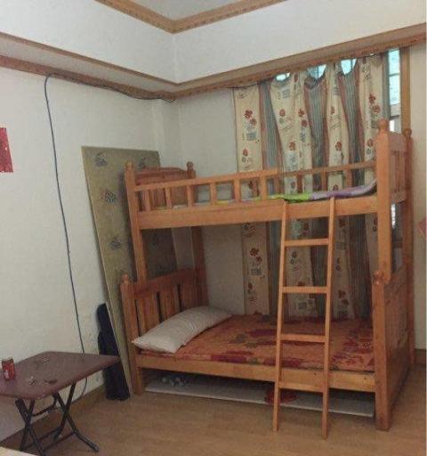 华城一期四房200平米精装修合适大家庭或合作价格实惠