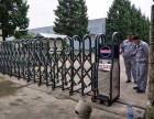 专业维修伸缩门道闸安装车牌识别 杆子岗亭