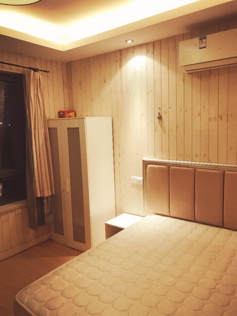 长江路 铭城花园 1室 0厅 30平米 整租铭城花园