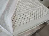 天然乳胶十公分厚带按摩颗粒