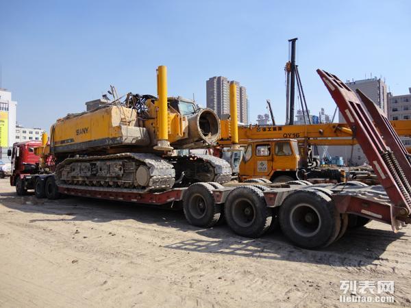 七台河大件运输公司-黑龙江到全国工程机械设备运输拖板车