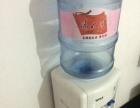 立式饮水机 九成新 送饮水机上的桶