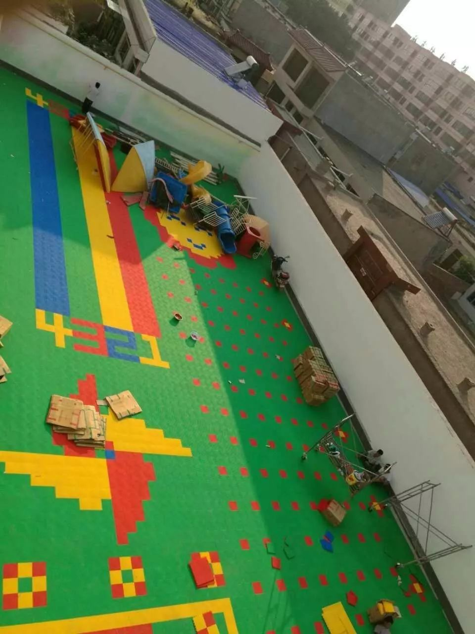 篮球场悬浮地板室外悬浮式拼装地板室外篮球场悬浮地板幼儿园室外