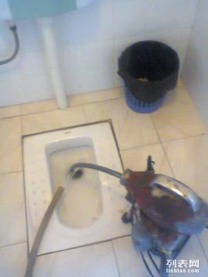 家家顺服务疏通下水道 马桶 高压清洗车 不通不收费