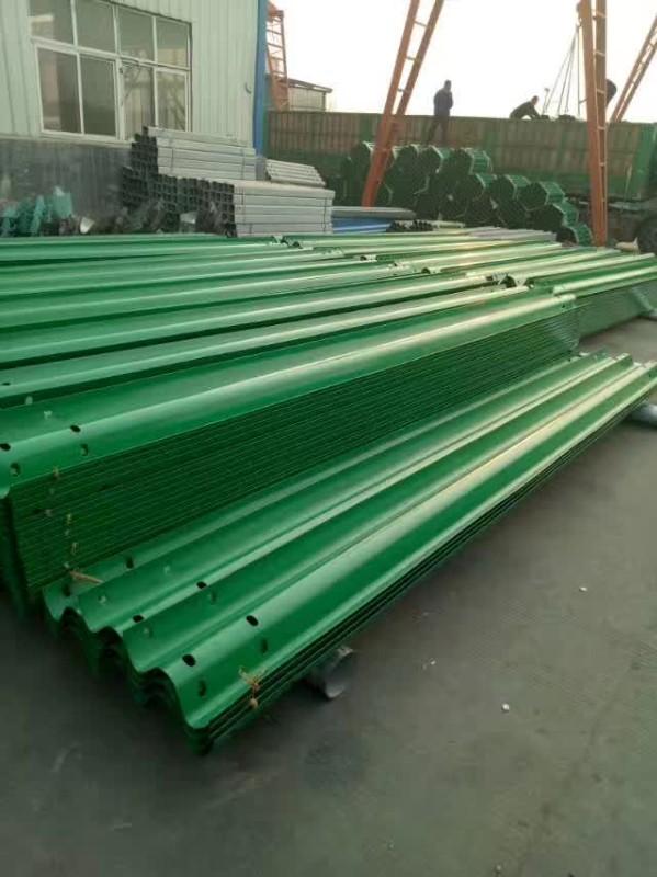 波形护栏板大型生产厂家 -山东冠县鑫亚交通设施有限公司