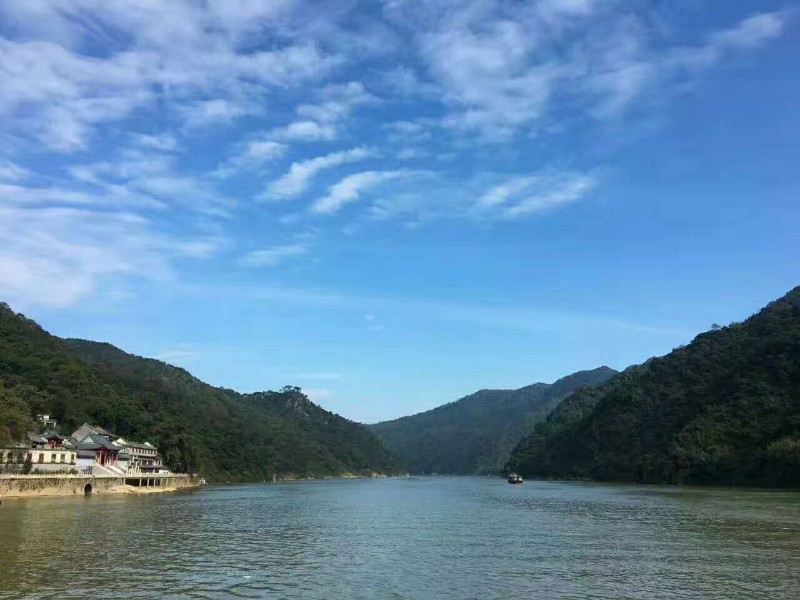 清远小北江6686游船 飞来寺 飞霞山 品尝河鲜一日游