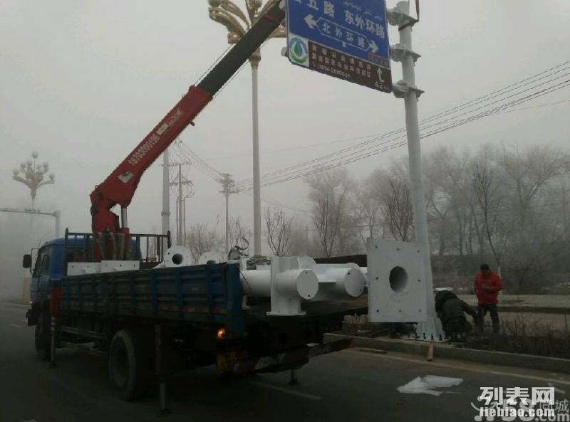 长期出租3~12吨随车吊,吊车出租(全市通行)