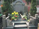 鄭州滎陽青龍崗紀念園,免費接送看墓地的車電話,購墓指導