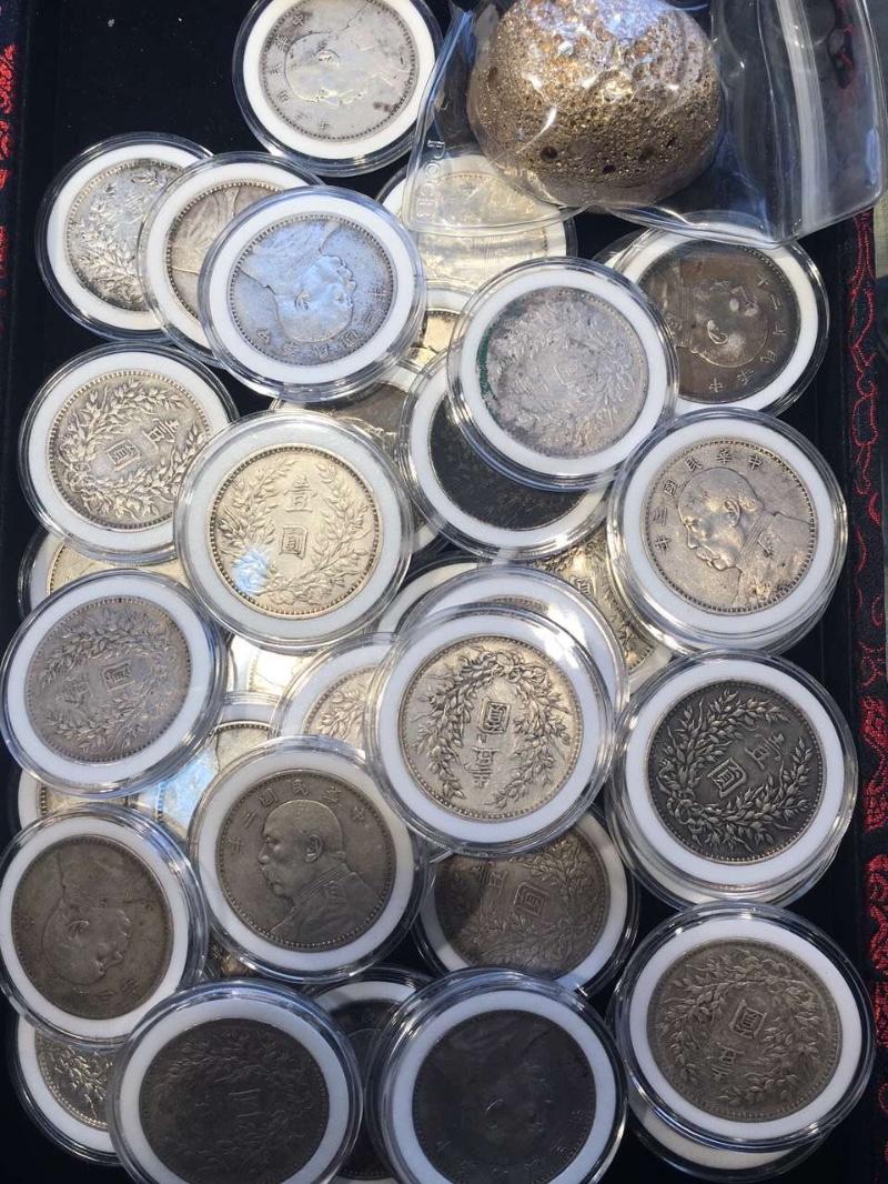 成都收~钱币:一二三四套币 纪念币钞 连体钞 金银币 老银元