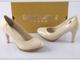 晶锐 中国著名品牌米色高跟时尚光面工作鞋批发