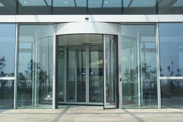 怀化做玻璃感应门,停车场系统,伸缩门