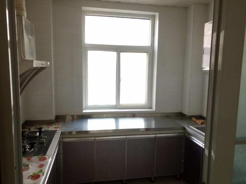 兴泰家园 2室 2厅 90平米精装超值 出售