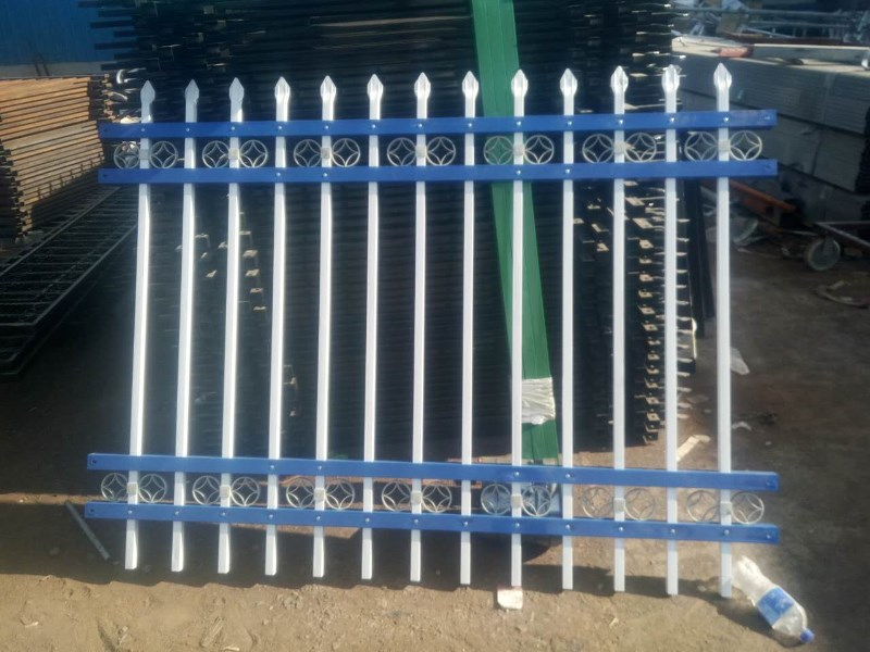 乌鲁木齐护栏 锌钢护栏 市政护栏 鑫凯盛铁艺护栏