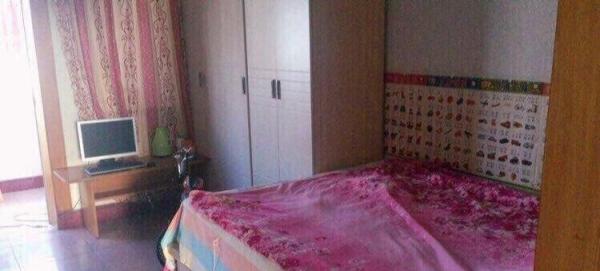 七彩城八号院 2室1厅1卫 限女生