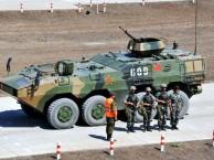 首次登场09式8X8CS步兵战车亮相广东江门市,冲出一条血路