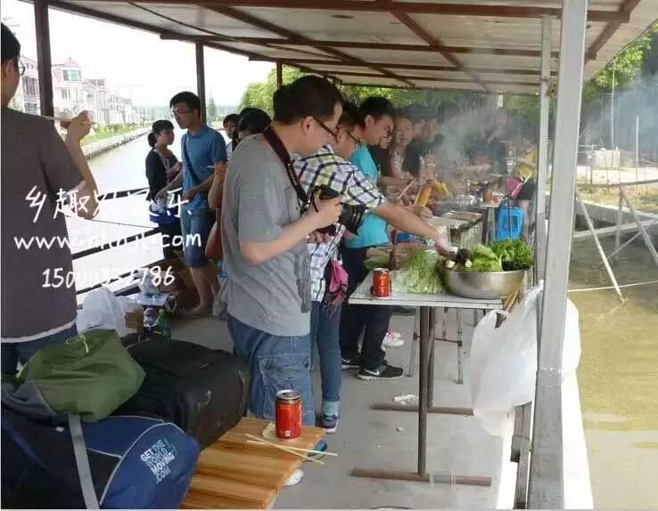 上海农家乐一日游推荐 采草莓钓大鱼 烧烤划船游滴水湖