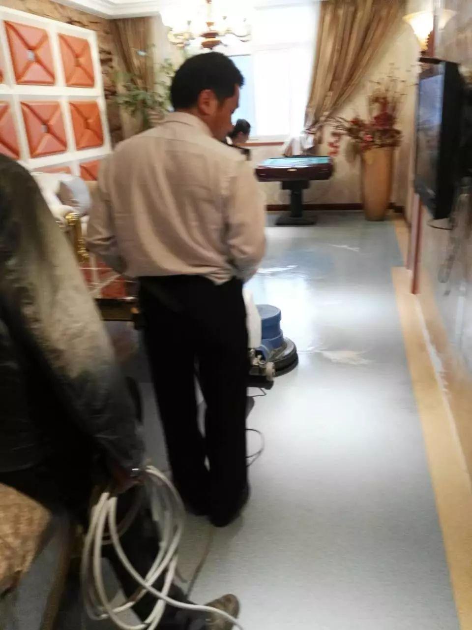 成都温江区专业pvc地板清洗服务公司